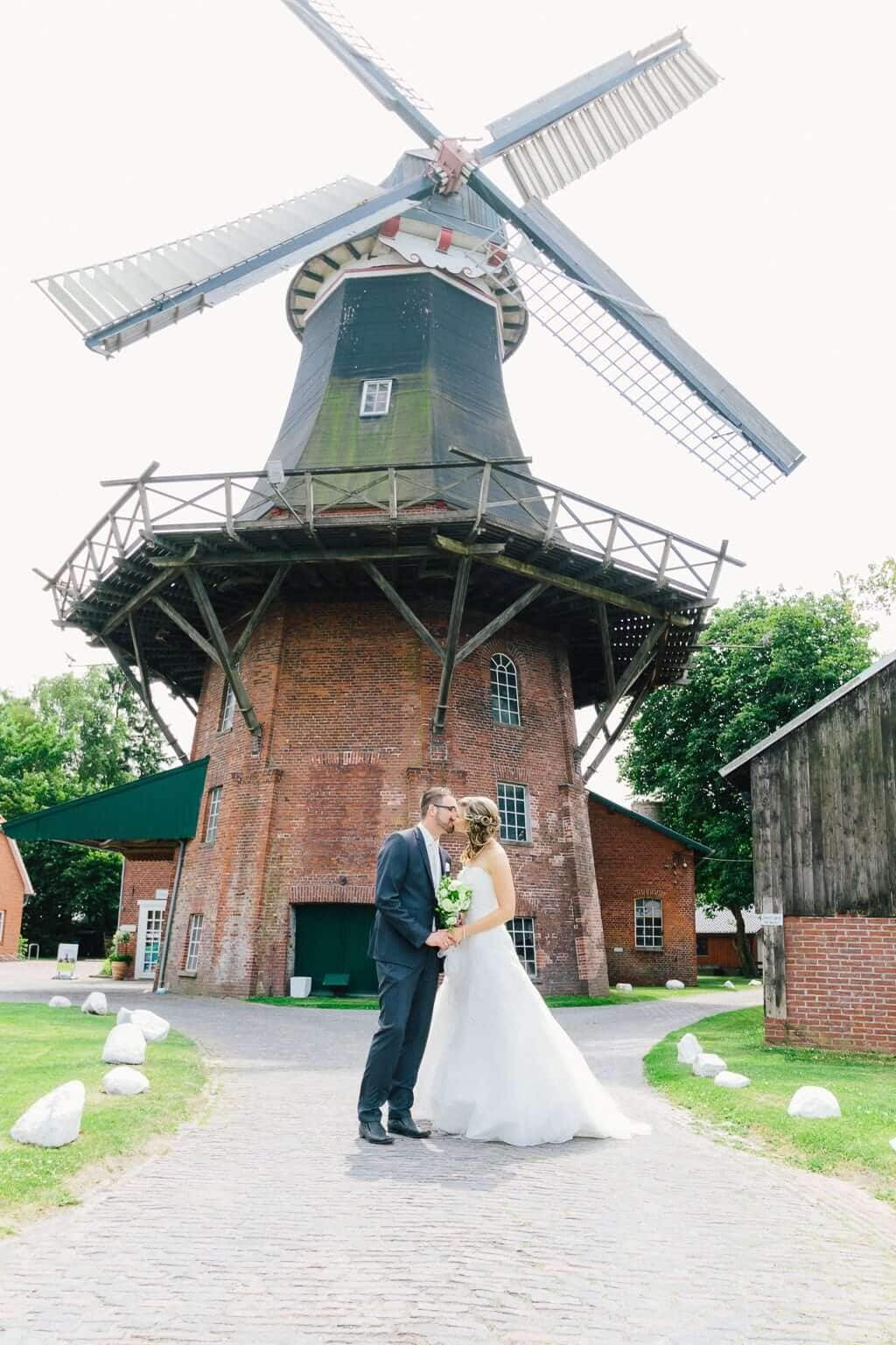 Brautpaar an der Moorseer Mühle
