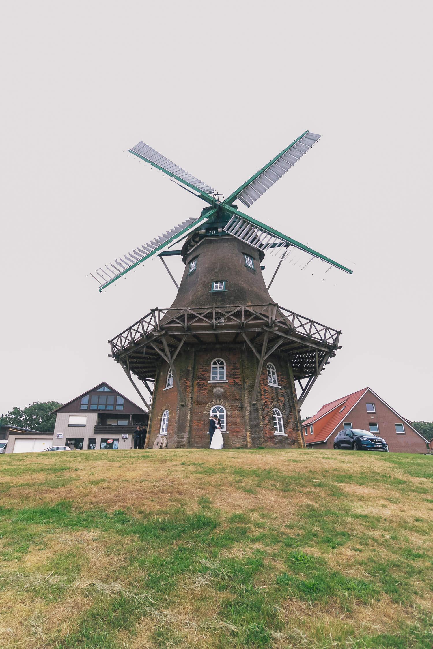 Hochzeit und Trauung in der Mühle in Midlum an der Wurster Nordseeküste